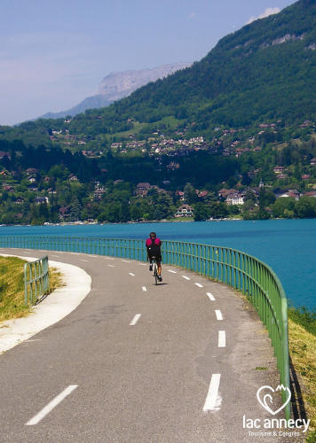 CYCLING TOUR IN ANNECY